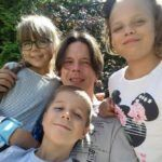Z córkami i synem